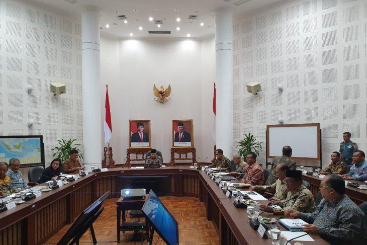 VP Amin leads Bureaucratic Reform Steering Committee's meeting