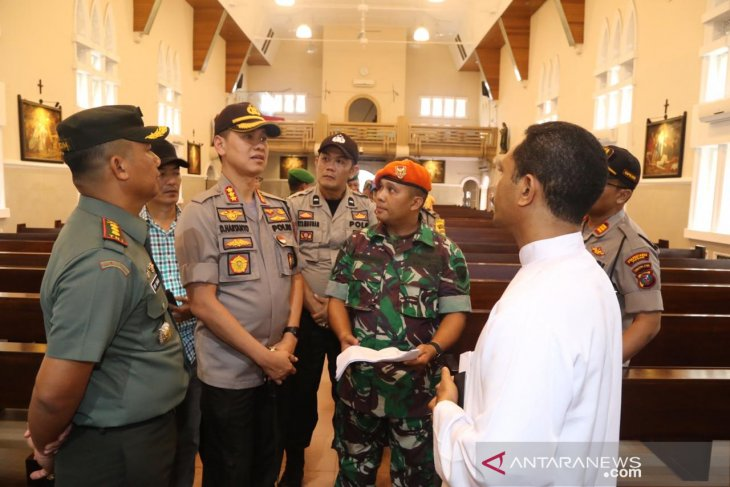 Police, military secure Christmas celebrations in Medan