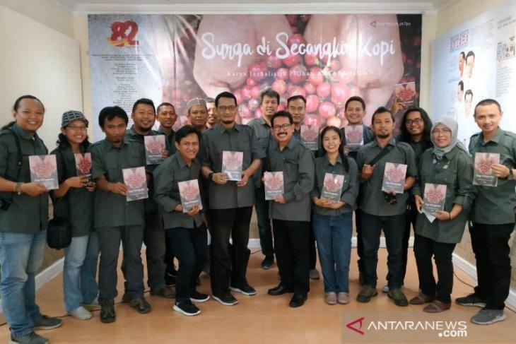 HUT Ke-82, LKBN ANTARA Biro Jatim luncurkan buku