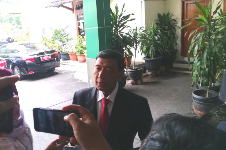 Mantan Menteri Wiranto sambangi bekas kantornya sebelum ke Istana