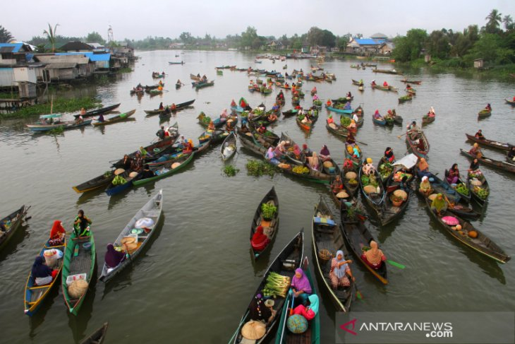 Wisata Pasar Terapung Lok Baintan Antara News Kalimantan Selatan