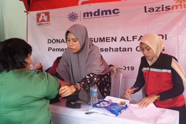 Alfamidi gelar pemeriksaan kesehatan gratis kepada warga Ambon dan konsumen
