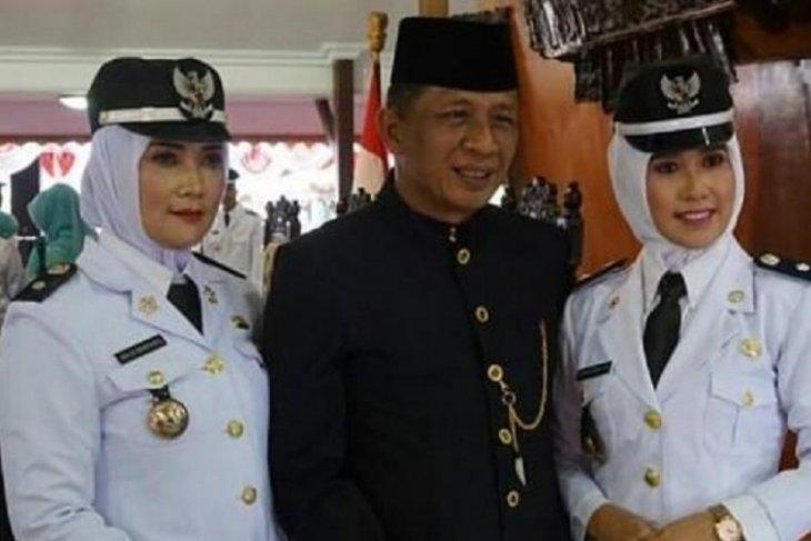 Dua istri Wakil Bupati Blitar dilantik jadi Kades