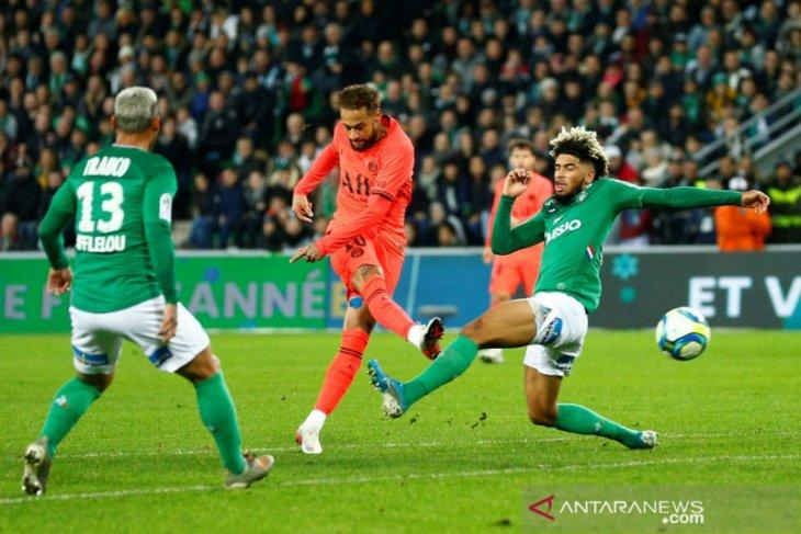 PSG kokoh di puncak klasemen setelah pecundangi  Saint-Etienne 4-0