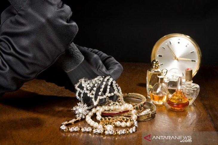 Polres usut pencurian barang bukti kasus korupsi 1,9 kg emas