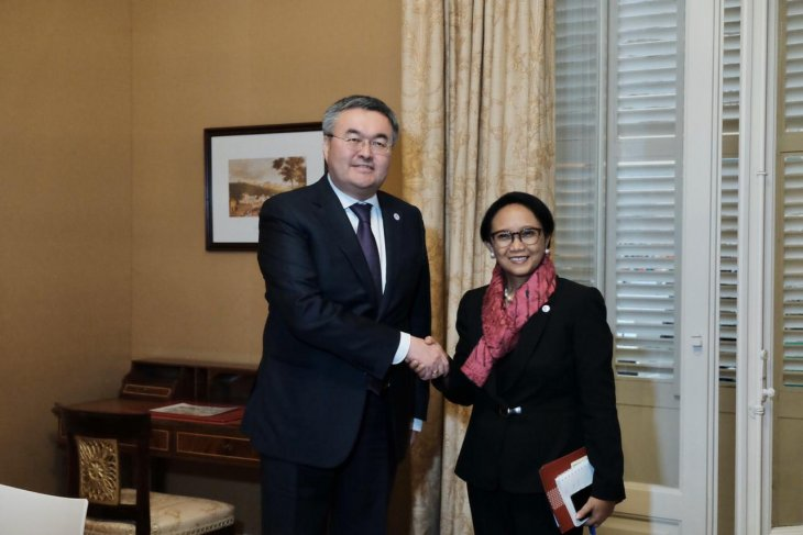 Indonesia-Kazakhstan meeting centers on enhancing economic cooperation