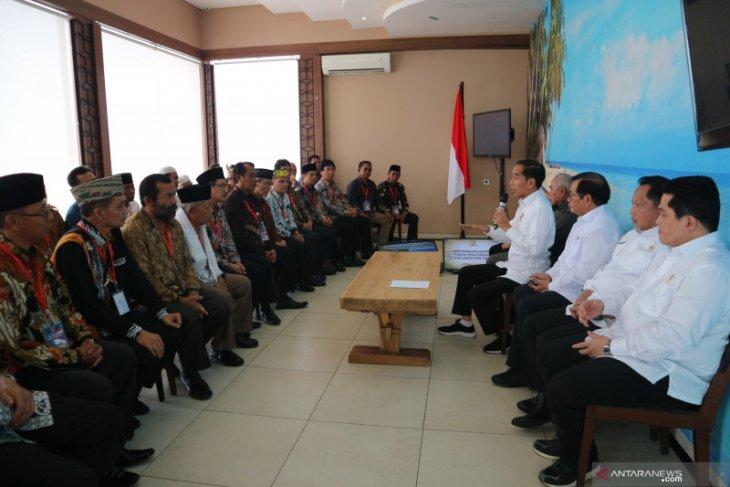 Jokowi holds meeting with East Kalimantan's customary figures