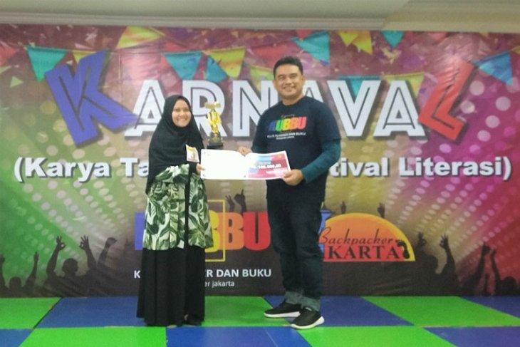 Mahasiswi Polbangtan Bogor juara lomba baca puisi dan cerpen