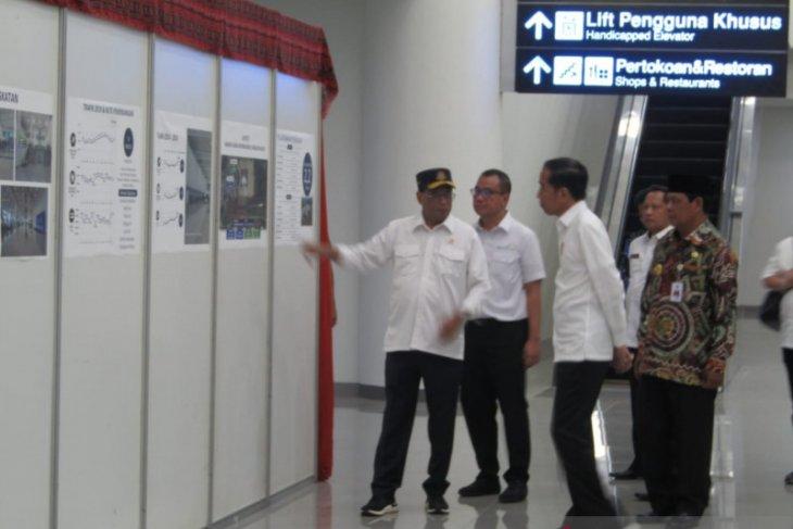 President Jokowi inaugurates Syamsudin Noor Airport's new terminal