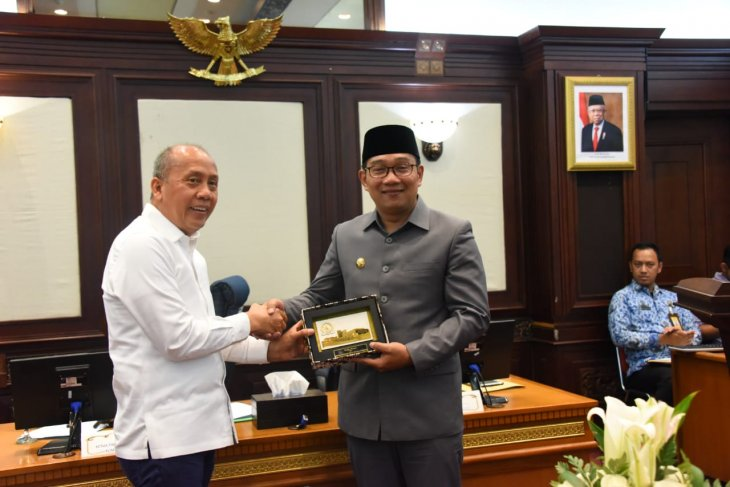 Gubernur Ridwan Kamil minta DPR bantu usulan DOB di Jabar