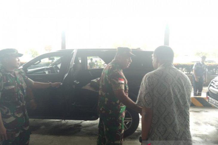Jenazah dua prajurit TNI gugur diserang KKSB Papua diterbangkan ke Medan dan Jakarta