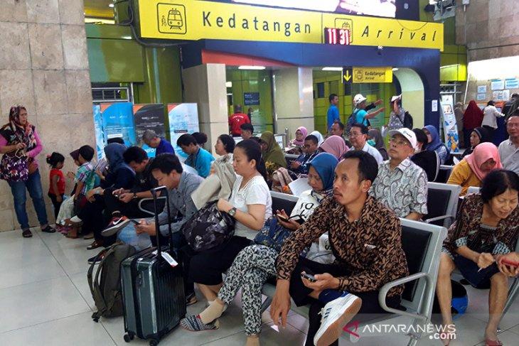 KAI meminta maaf soal gangguan di Stasiun Karawang