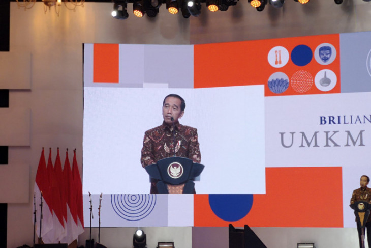 Large-scale businesses still dominate Indonesia's exports: Jokowi
