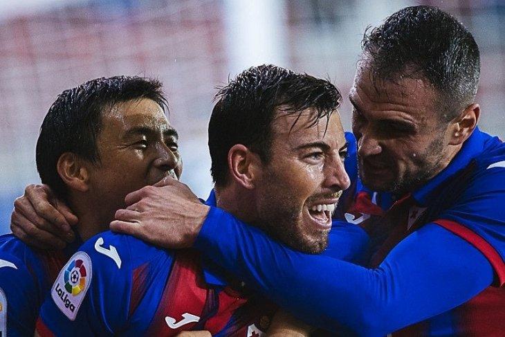 Liga Spanyol - Taklukkan Granada, Eibar hentikan tren negatif lima laga sebelumnya