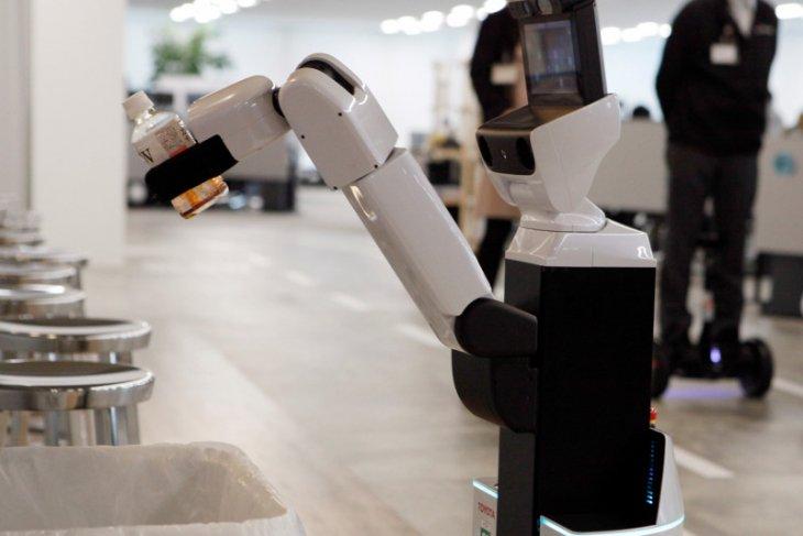 Di tengah pandemi corona, robot gantikan mahasiswa Jepang  dalam acara kelulusan