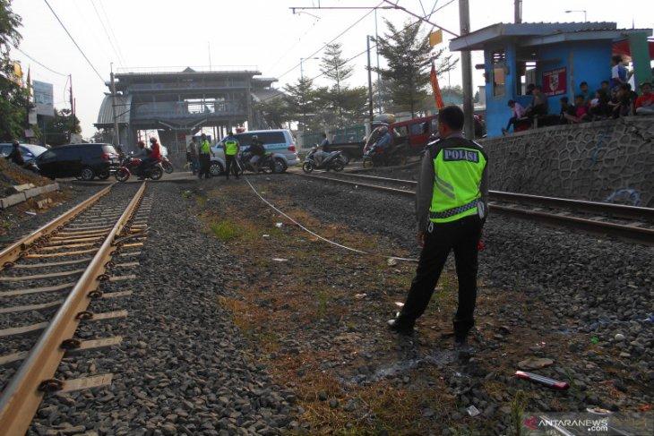 Nahas, tujuh korban tewas tertabrak kereta sepulang jenguk keluarga sakit