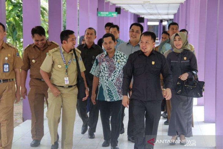 Evaluasi pelayanan RSUD, Komisi I DPRD HSS lakukan sidak
