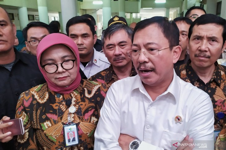 Minister reviews Bandung's health facilities before year-end holidays