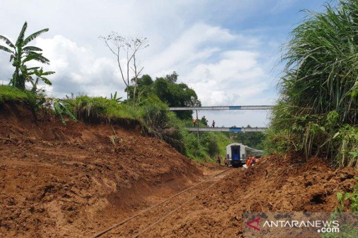 KA Bogor-Sukabumi sudah bisa melintas kembali