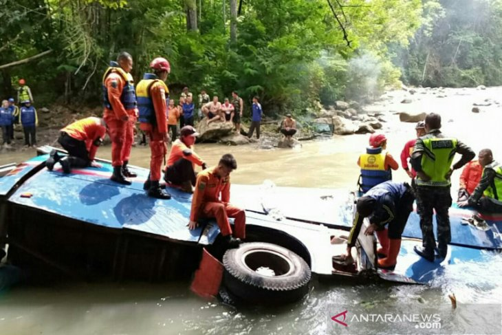 Death toll climbs to 28 in Pagaralam's Sriwijaya bus accident