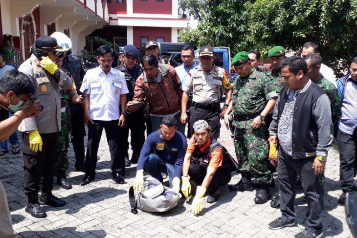 Gereja Bethel Indonesia dihebohkan penemuan tas mencurigakan