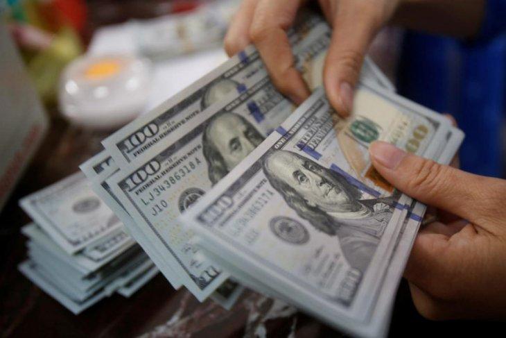 Kurs dolar AS sedikit melemah di tengah ketidakpastian prospek AS