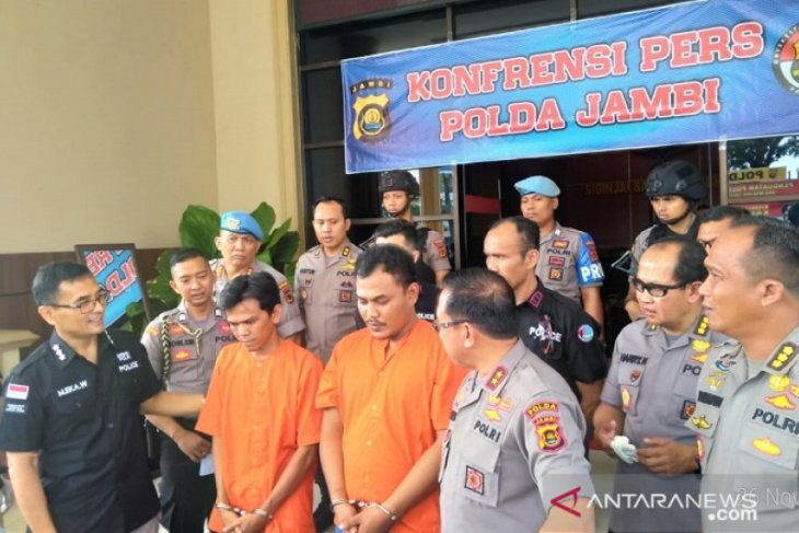 Polisi tangkap 5 pria pesta sabu di Tungkal