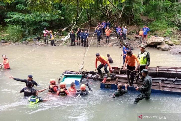 Tidak injak rem, sopir bus Sriwijaya diduga kejar target