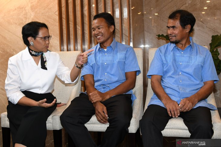 Last Indonesian hostage in South Philippines set free