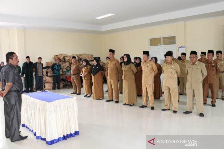 Dua pengawas 23 kepsek lingkungan Pemkab Tapsel dilantik