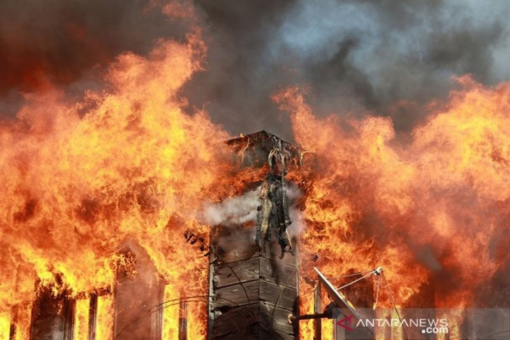 Lagi-lagi, Kebakaran melanda pasar swalayan di Lokasari Square Jakarta Barat