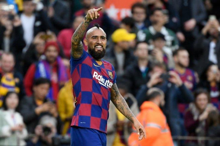 Vidal tuduh Barcelona tak bayar bonus