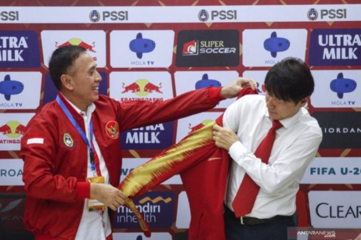 Indonesians urged to support Garuda squad's new coach Shin Tae-yong