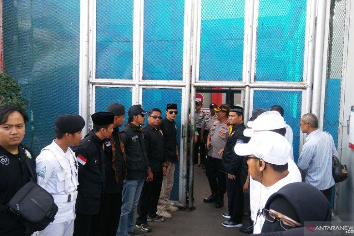 Mulan Jameela jemput Ahmad Dhani di Rutan Cipinang