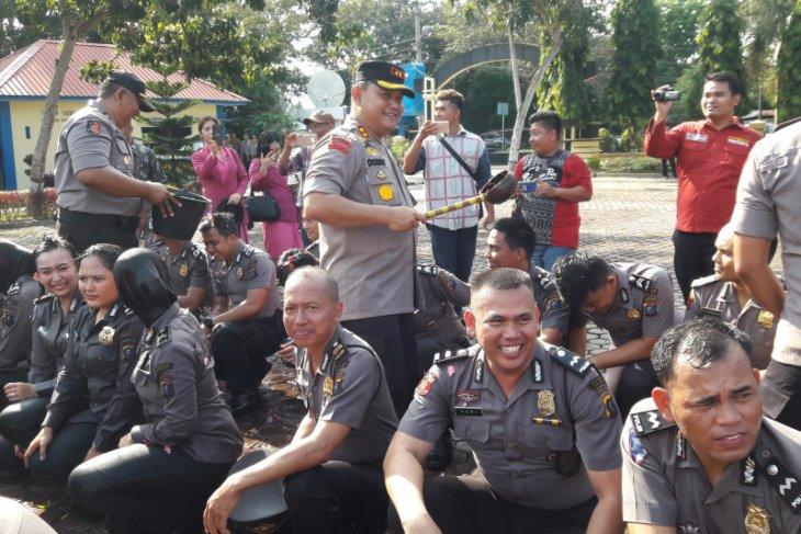 96 personel Polres Langkat naik pangkat