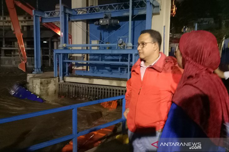 Command post confirms 31,232 Jakarta residents fled inundated homes