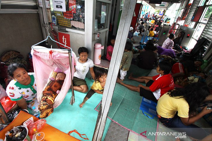 Flood victims in Jakarta, Banten, West Java dispatched ministerial aid