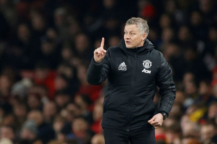 Man United batalkan rencana latihan di Timur Tengah
