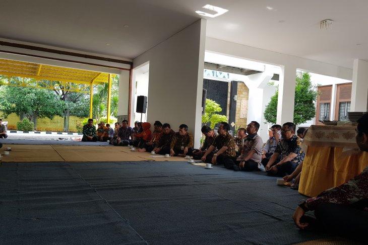 Bupati Bekasi imbau warga mengungsi dari daerah rawan banjir