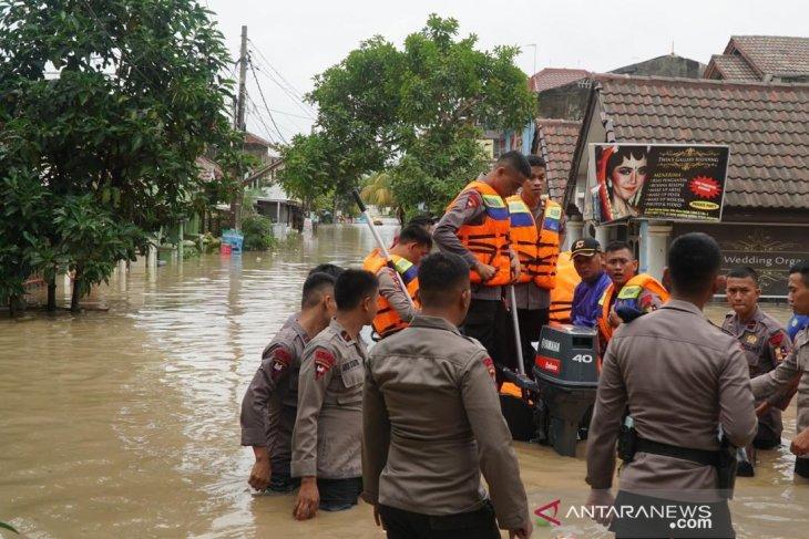 Seven people killed in West Java's floods, landslides