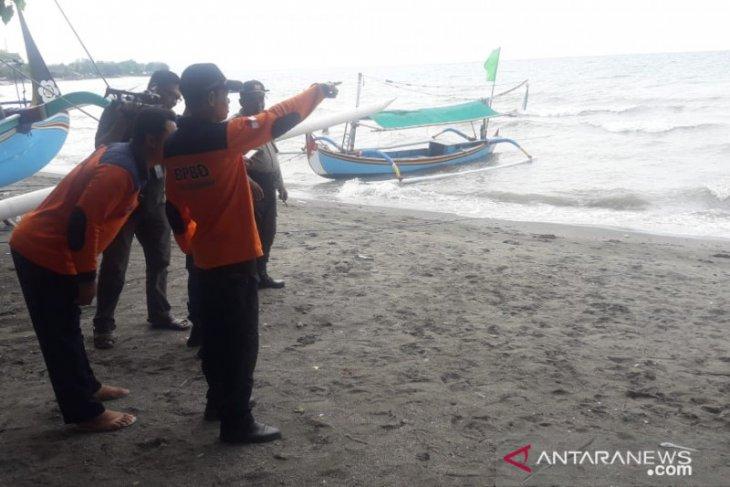 Pengunjung asal Bandung tewas saat berenang di wisata Pasir Putih Situbondo