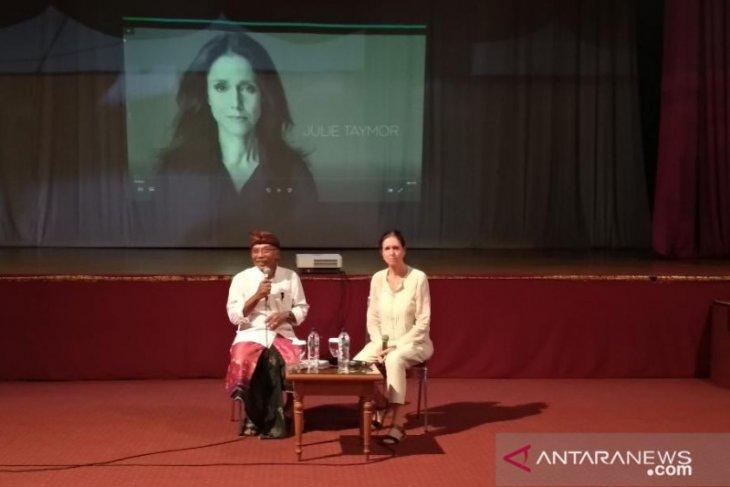 Terkait akreditasi internasional, ISI Denpasar datangkan sutradara Julie Taymor