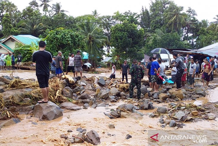 Flash flood in N Sulawesi's Sangihe Islands District claims one life