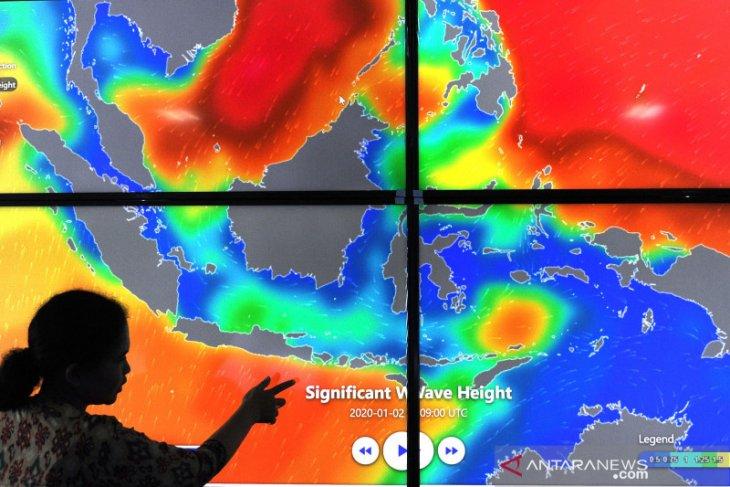 Nelayan Bali diimbau waspadai gelombang tinggi
