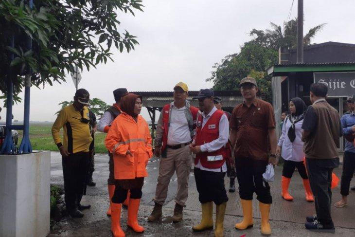Bupati Tatu pantau lokasi banjir di tiga kecamatan