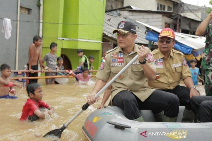 Kemensos sudah  salurkan hampir Rp15 miliar ke daerah banjir Jabodetabek dan Banten