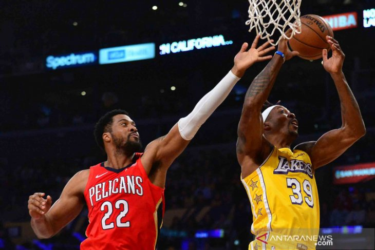 Pemain Lakers Howard berduka