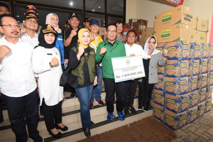 Gubernur Jabar salurkan bantuan Rp1 miliar untuk Bekasi dan Karawang