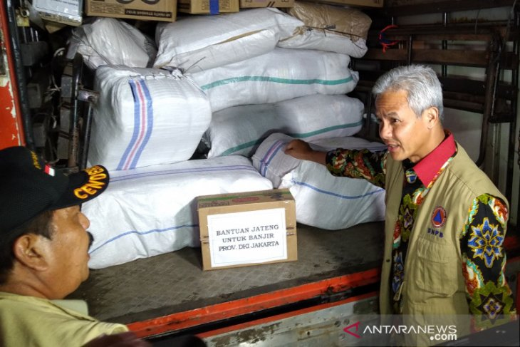 Central Java sends  aid packages to Banten, Jakarta, West Java