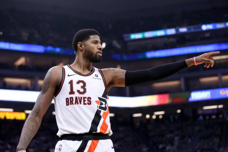 Paul George absen bela Clippers